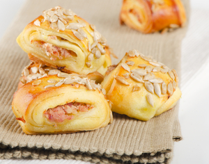 Miniature sausage rolls
