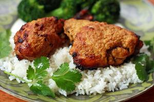 Tandoori chicken with roast broccoli and rice