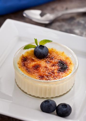 Blueberry crème brulee