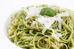 Avocado pesto and spaghetti