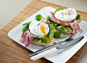 David Gillicks Brekkie: Poached eggs, bacon & avocado