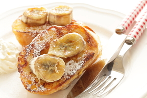 Pan-fried bananas on French toast