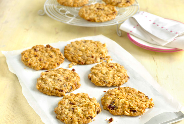 Cranberry and hazelnut chewy oat cookies