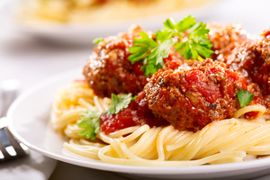 Linguini with sausage meatballs and tomato sauce