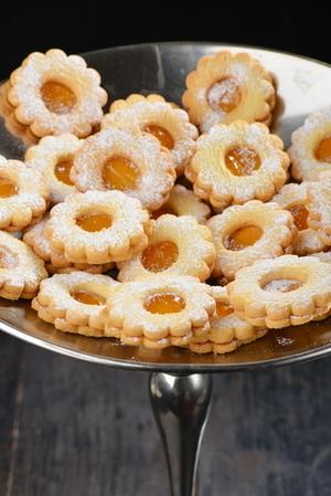 Lemon jam biscuits