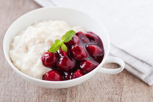 Rice pudding with cherry sauce