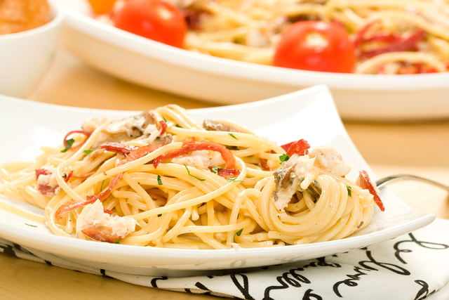 Crab linguine with chilli & parsley