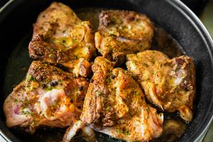 Chicken with salsa and garlic mash