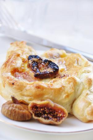 Fig & blue cheese tart