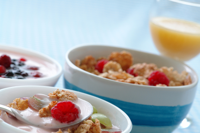 Fruit and yoghurt pots