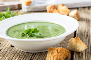 Creamy leafy spinach soup