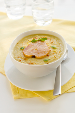 Spicy parsnip with ham soup