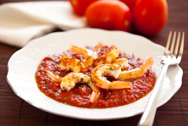 Prawn tapas with bread and tomato sauce