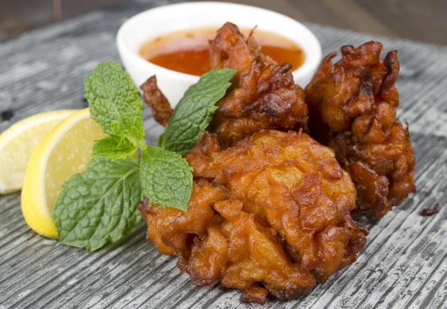 Corn and carrot fritters with chutney