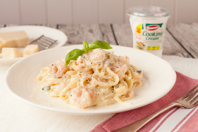 Neven's Smoked Salmon & Prawn Linguini