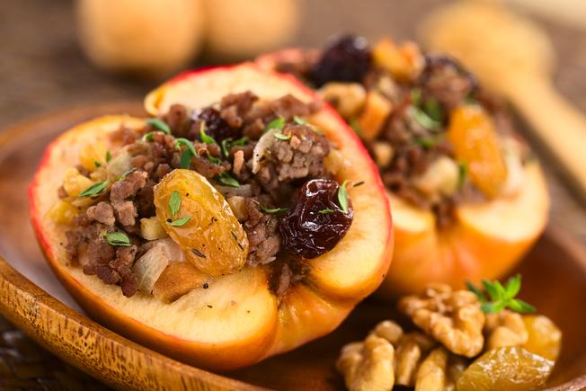 Mincemeat stuffed apples