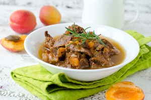 Lamb with apricots