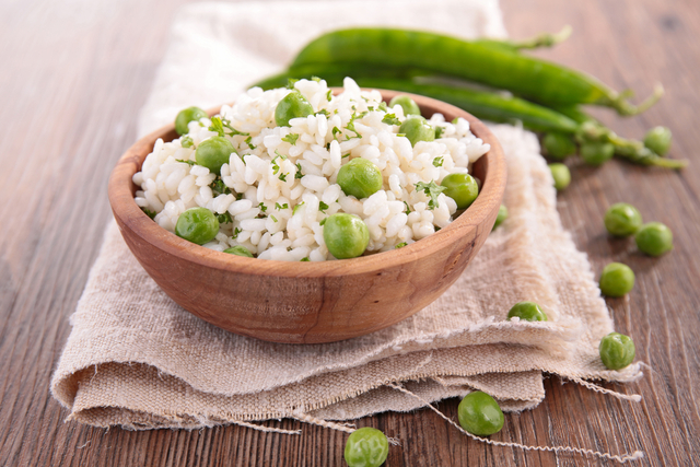 Garden pea risotto with bacon
