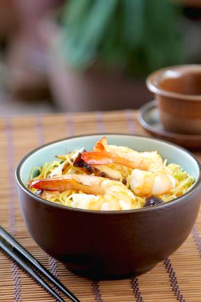 Stir-fry prawns with mushrooms