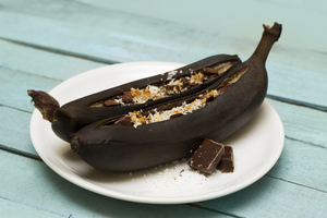 Baked bananas with chocolate