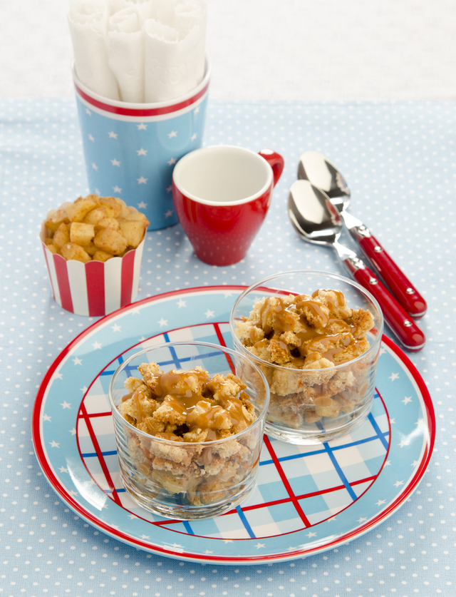Apple crumble with ginger and muesli topping