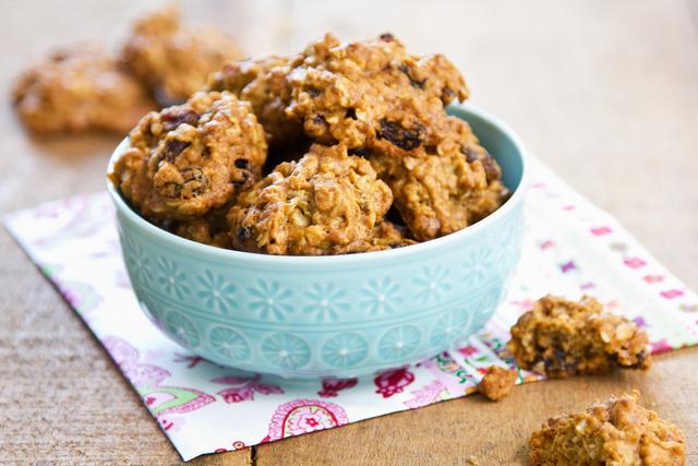 Oat and orange cookies