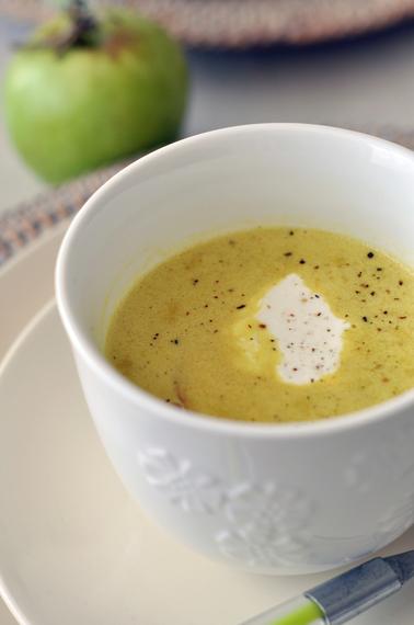 Lentil, apple and parsnip soup