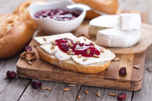 Baked Camembert and cranberries