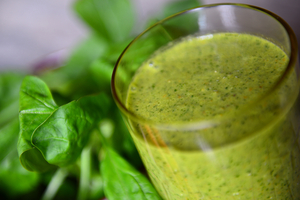 Spinach and fruit smoothie
