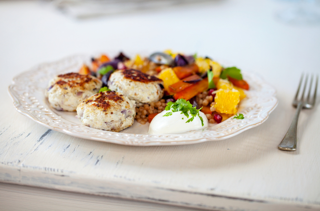 Turkey burgers with roast vegetable salad