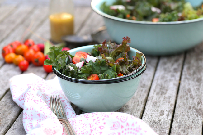 Kale and mixed vegetable salad