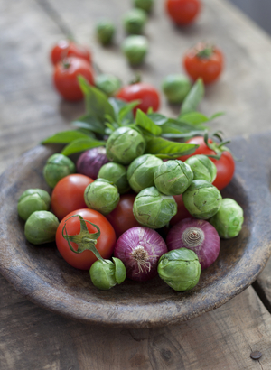 Brussel sprouts, red onion and tomato salad