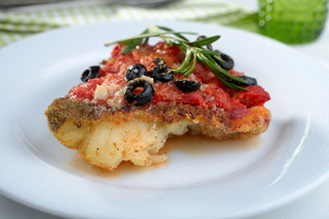 Baked cod with tomato sauce