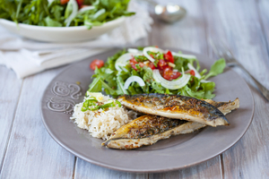Grilled mackerel in soy glaze