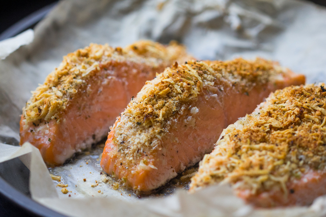 Lemon and chilli crusted salmon