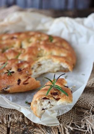 Garlic and chilli focaccia bread