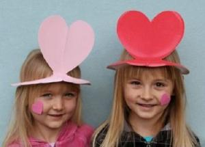 Crafts: Valentine's love heart hats