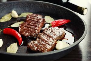 Garlic and chilli beef