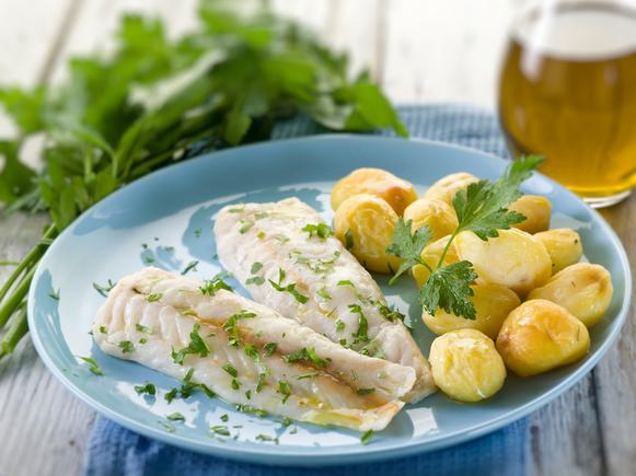 Pan fried cod and potatoes