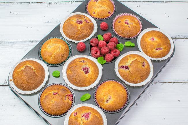 Coconut raspberry muffins