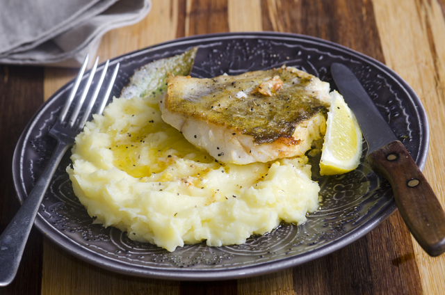 Fish grills with creamy mash