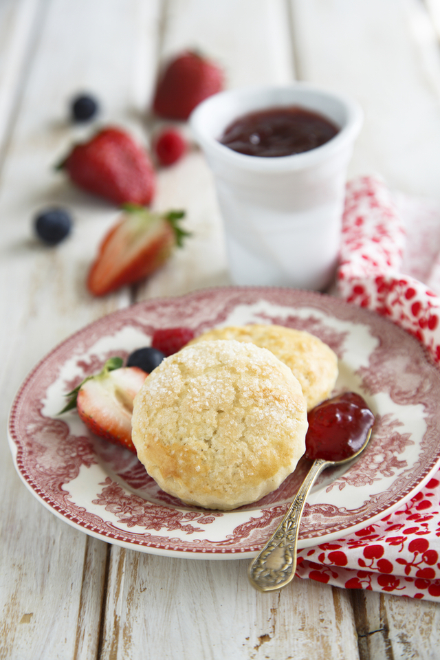 Sugar topped buttermilk scones