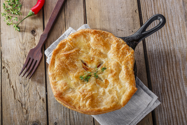 Chicken and thyme pie