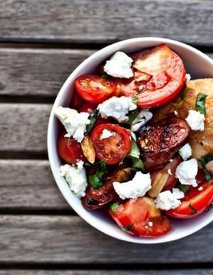 Chorizo, cherry tomato and onion salad