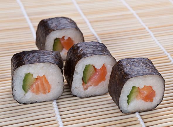 Smoked salmon sushi with avocado