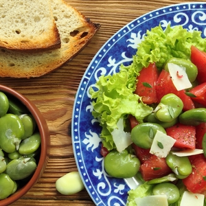 Broad bean and tomato salad