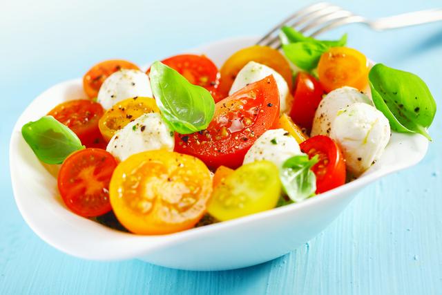 Vibrant tomato salad with herbs and mozzarella