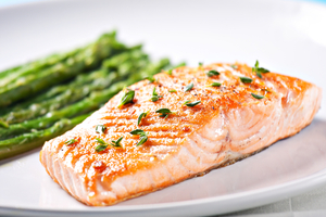 Salmon with roast asparagus