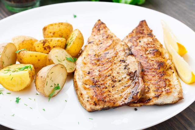 Spiced mackerel with cumin potatoes