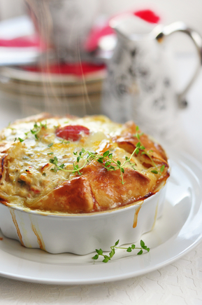 Chicken with vegetable tarts